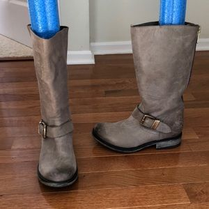 Steve Madden Genuine Leather grey boots, 6.5M